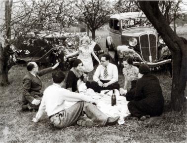 Doisneau le dejeuner sur l herbe 1936