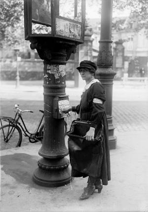 Factrice en 1900