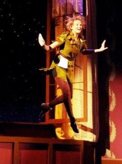 Peter Pan saute par la fenêtre